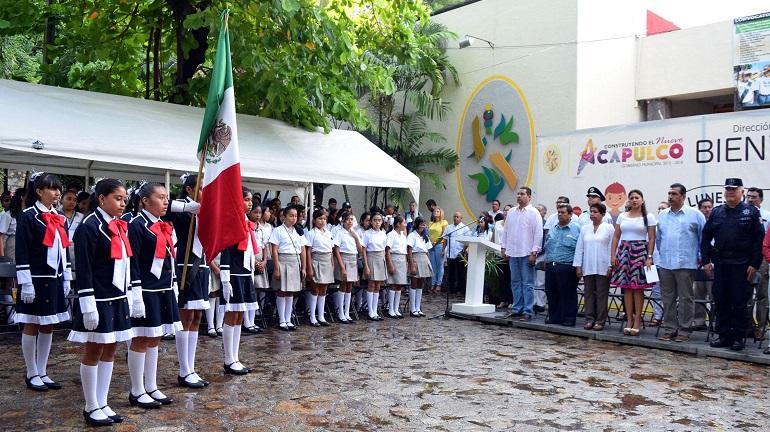 lunes_bandera_dif_acapulco-2