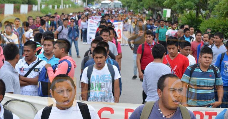 marcha_normalistas_ayotzinapa_iguala-7
