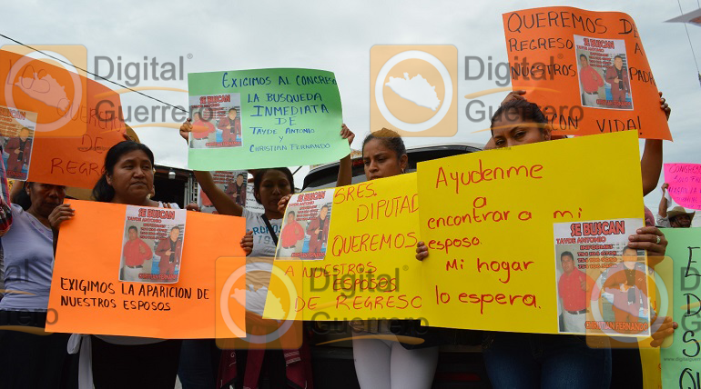 protesta_habitantes_apango_congreso_guerrero-1
