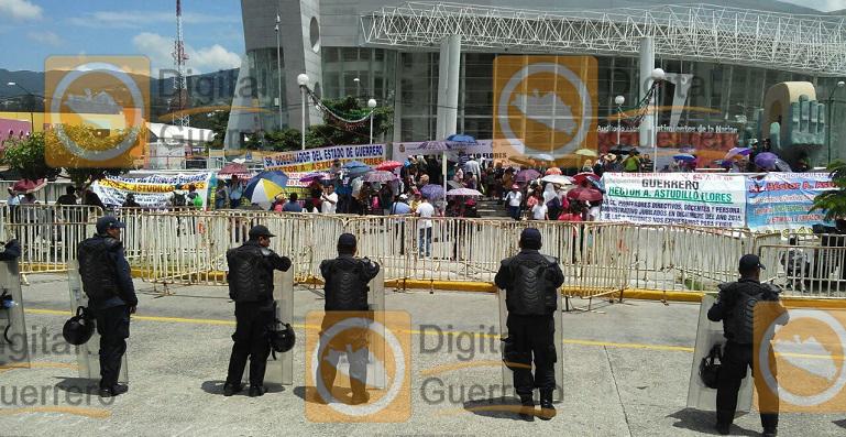protesta_maestros_jubilados_guerrero-2