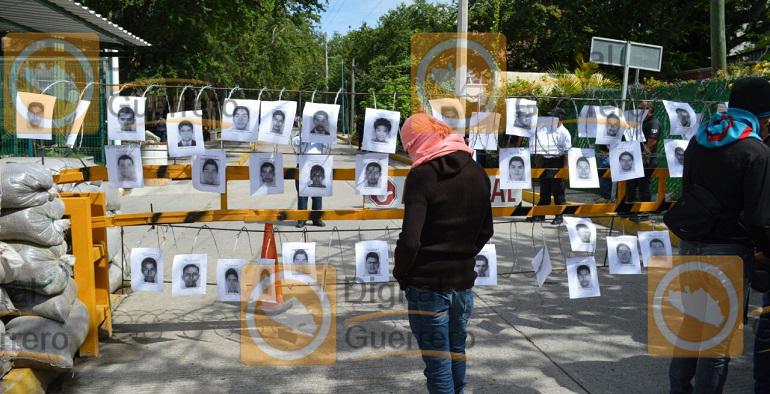protesta_normalistas_ayotzinapa_fiscalia-5