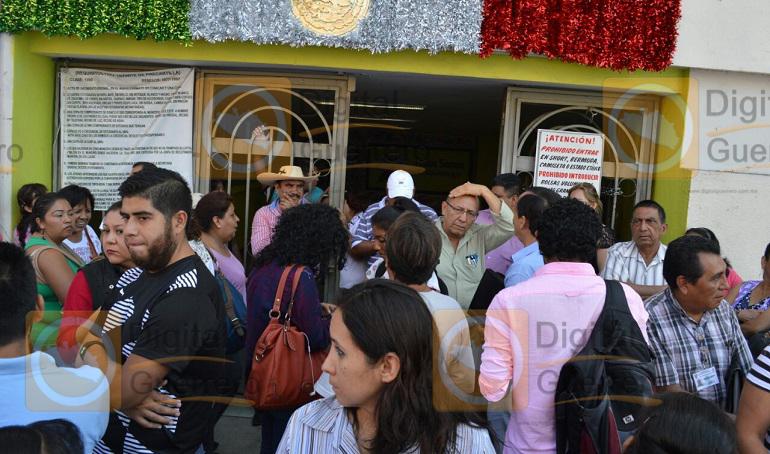 protesta_suspeg_chilpancingo_ayuntamiento-2
