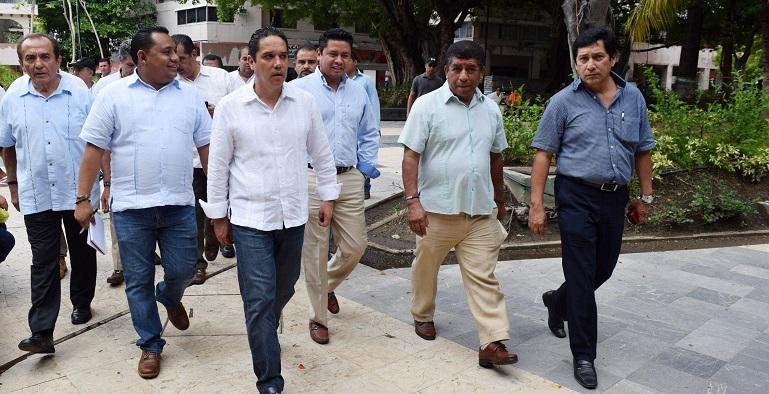 reordenamiento_comerciantes_zocalo_acapulco-2