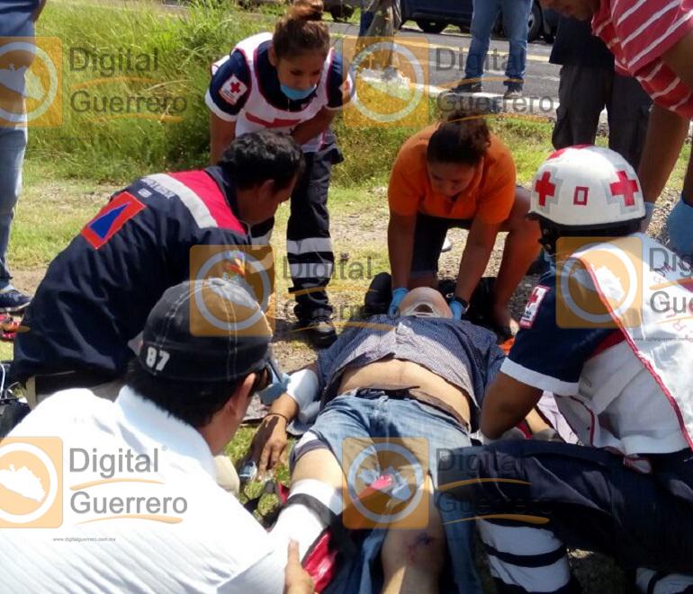 atropellan-a-motociclista-en-la-carretera-federal-mexico-acapulco-resulta-grave