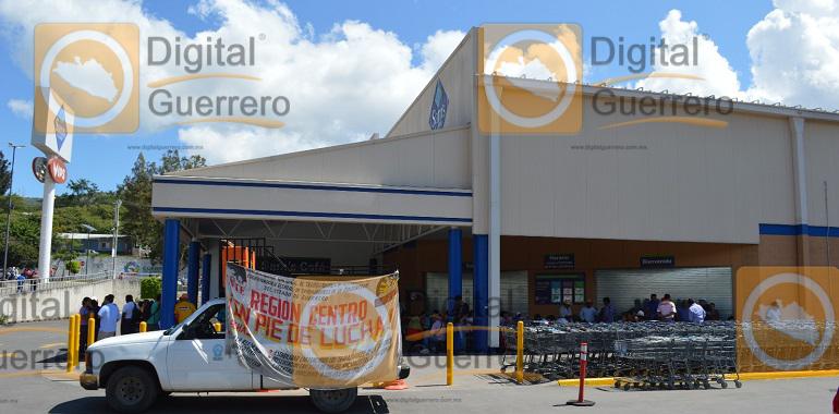 cierran-supermercados-en-chilpancingo-por-reinicio-de-movilizaciones-de-la-ceteg