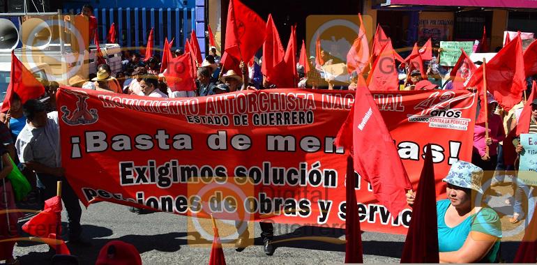marcha-antorcha-campesina-y-protesta-en-el-ayuntamiento-de-chilpancingo-1