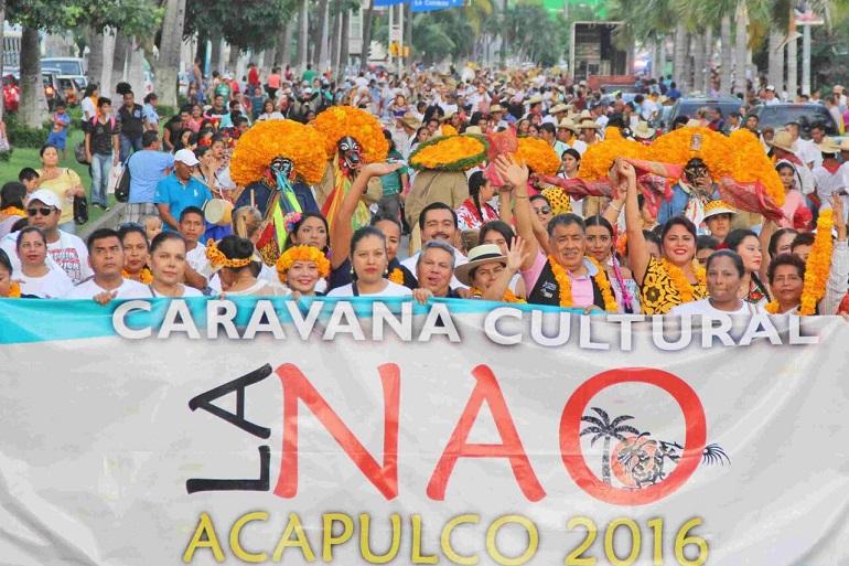 participan-miles-en-las-caravanas-previas-a-la-inauguracion-de-la-nao-2016