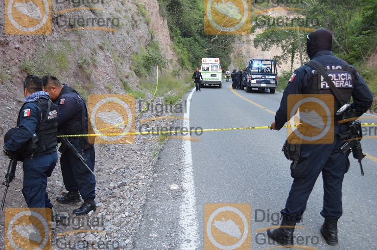 seis-muertos-y-un-menor-herido-deja-asalto-a-una-urvan-en-la-carretera-chilpancingo-tixtla-1