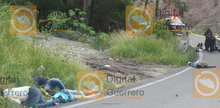 seis-muertos-y-un-menor-herido-deja-asalto-a-una-urvan-en-la-carretera-chilpancingo-tixtla
