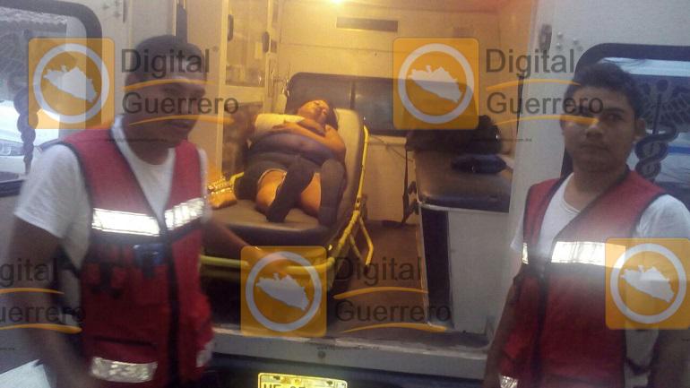 vuelca-autobus-en-carretera-acapulco-zihuatanejo-hay-varios-heridos-1