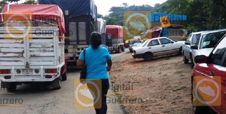 bloqueo_carretero_tecoanapa_normalistas-2