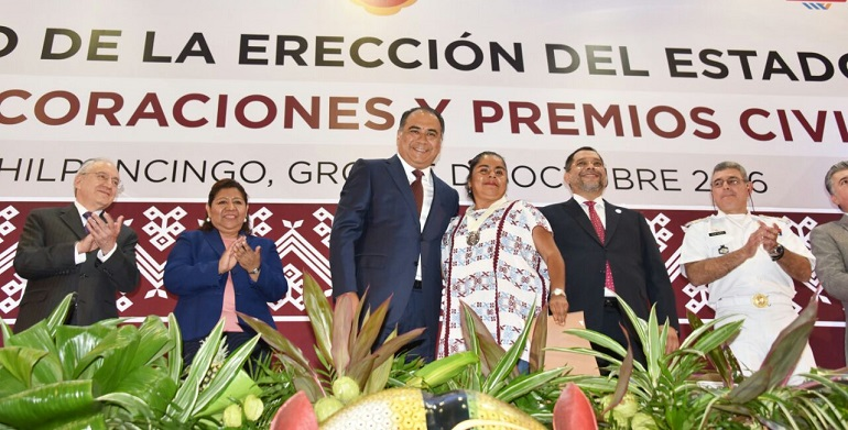 condecoraciones_premio_ereccion_estado_guerrero-2