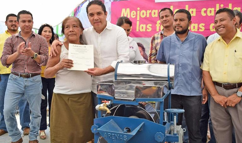 entrega_huertos_familias_acapulco-2