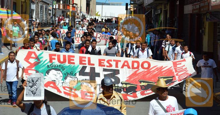 marcha_normalistas_asesinados_chilpancingo_ayotzinapa-2