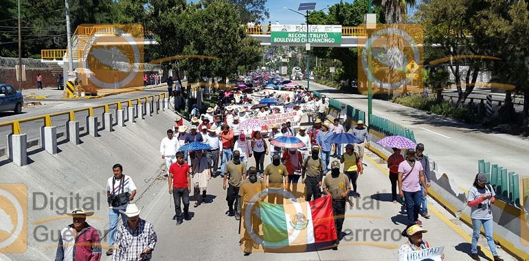 marcha_organizaciones_chilpanicngo_ayotzinapa1