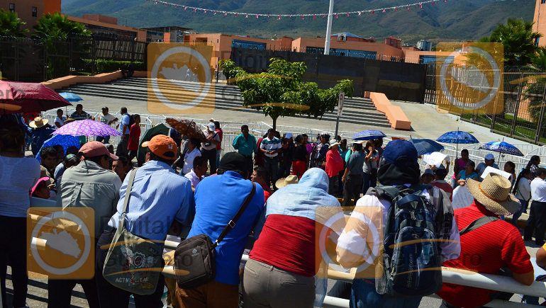 mitin_palacio_gobierno_ayotzinapa-1