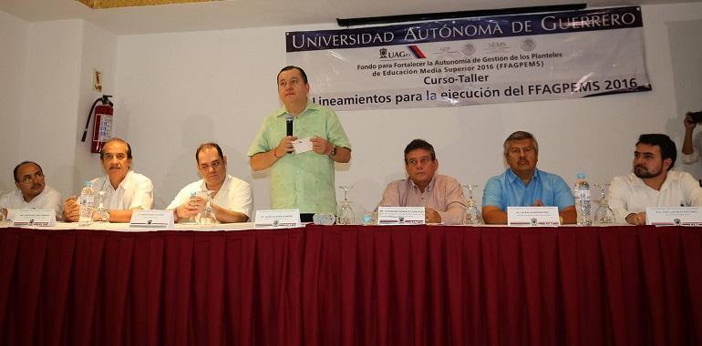 preparatorias_uagro_rector