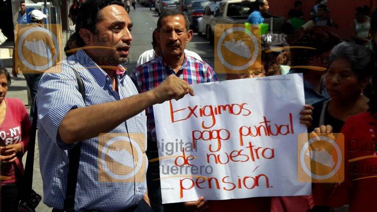 protesta_jubilados_pensionados_chilpancingo-3