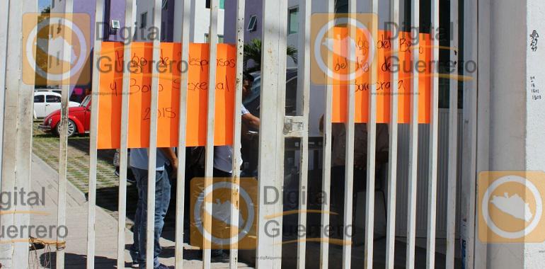 paran-labores-trabajadores-del-igife-en-chilpancingo-exigen-aumento-salarial-1