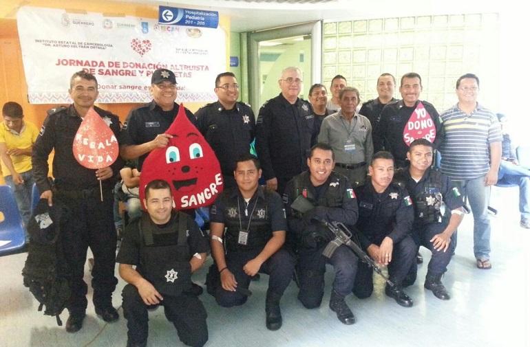 participan-mandos-y-elementos-de-la-ssp-acapulco-en-jornada-de-donacion-de-sangre
