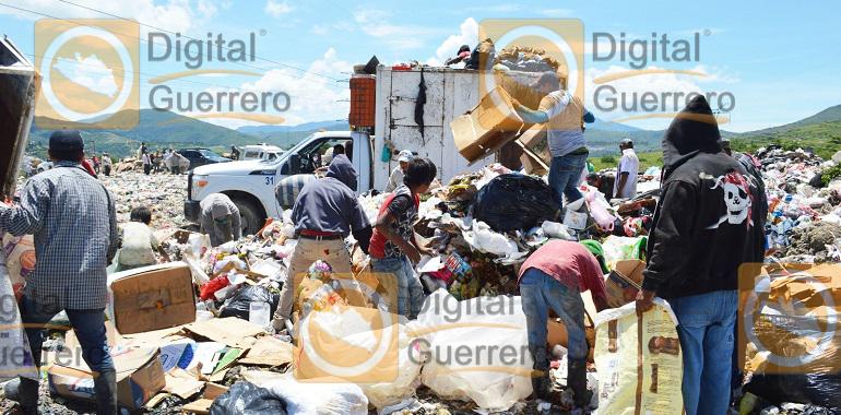 pepenadores-denuncian-monopolio-de-reciclaje-en-el-basurero-municipal-de-chilpancingo