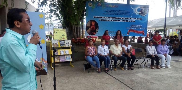 promueve-gobierno-municipal-de-acapulco-habito-de-lectura-afirma-julio-zenon-flores
