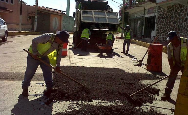 brigadas_bacheo_acapulco-1
