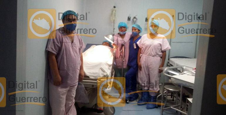 hospital_ayutla__equipo_medico