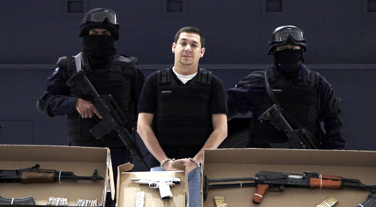 """Octubre del 2011 – La Policía Federa detiene a Arturo Hernández Tarín, alias """"El Cris"""" fundador de la organización delictiva """"La Barredora"""" que operaba en Acapulco"""