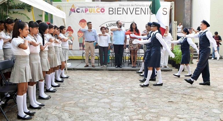 lunes_bandera_acapulco-1
