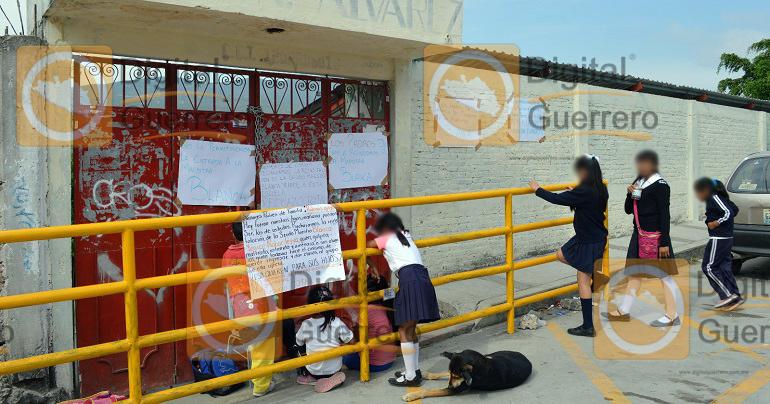 protesta_padres_familia_escuela_chilpancingo-1
