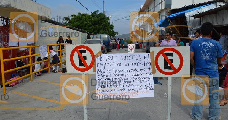 protesta_padres_familia_escuela_chilpancingo-2