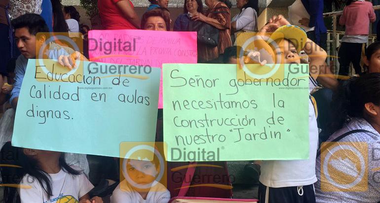 protesta_reconstruccion_kinder_chilpancingo-1