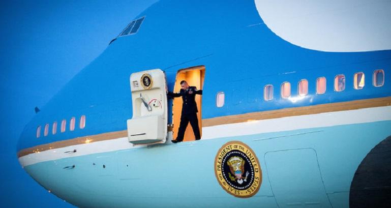 cancela_trump_air_force_one
