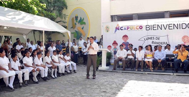 lunes_bandera_acapulco-2
