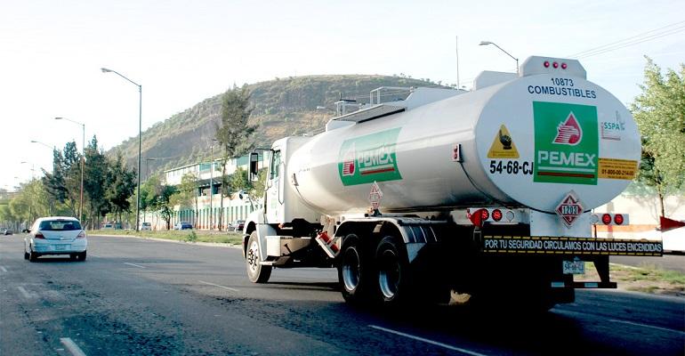 Suben un centavo gasolinas Magna y Premium este martes (09:00 h)