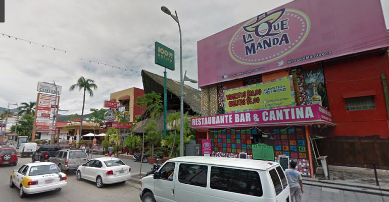Escolta de funcionaria de Sedesol dispara en bar de Acapulco