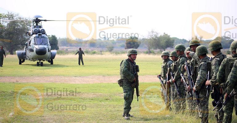 Hallan cuerpos de 4 soldados desaparecidos por deslave en Gro