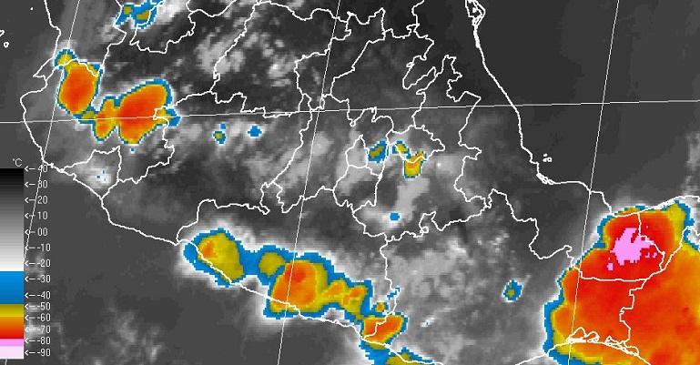 Ciclón Tropical en el Océano Pacífico causa fuertes lluvias en Michoacán