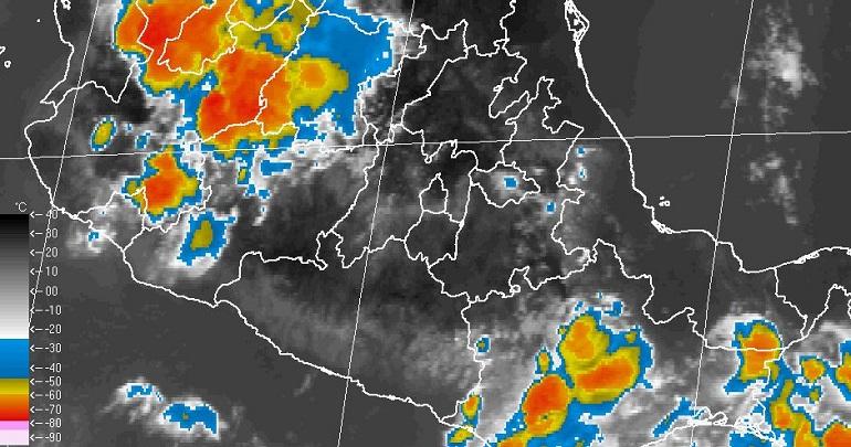 Lluvia provoca apagones y encharcamientos en Acapulco