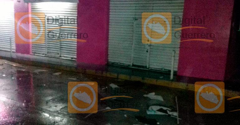 Arrojan granada a bar en Chilapa; hay 3 jóvenes heridos, uno grave