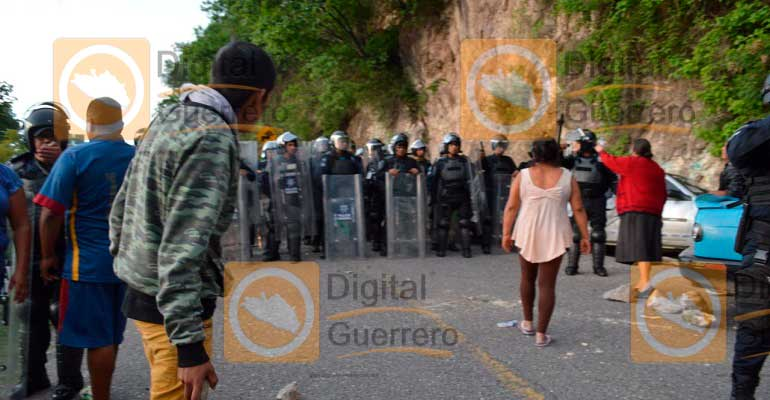 Destruye PF 9 plantíos de amapola en Chichihualco