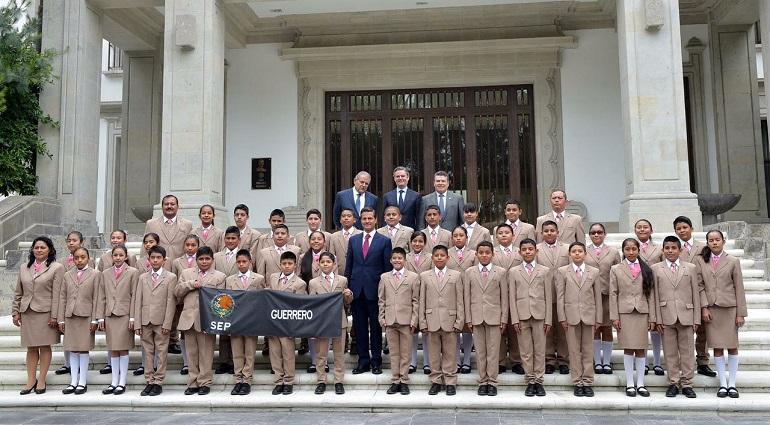 Peña Nieto llega al cierre de la XXII Asamblea Nacional del PRI