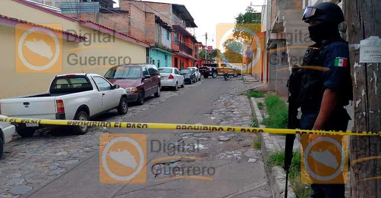 Desconocidos dejan a una mujer y dos hombres descuartizados en Guerrero
