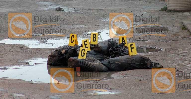 Abandonan siete bolsas con restos humanos en Guerrero