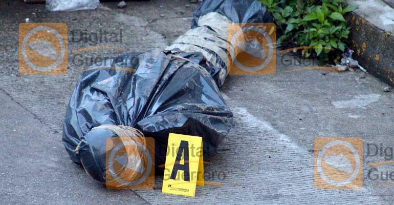 Hallan dos cuerpos dentro de bolsas negras en Guerrero