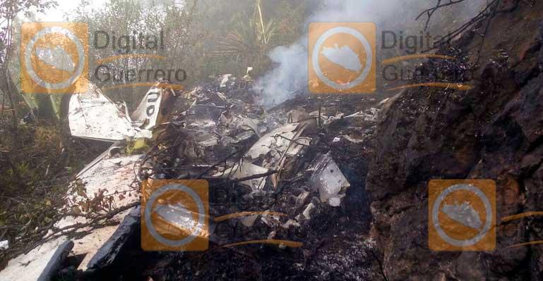 Se desploma una avioneta en la sierra de Chilpancingo
