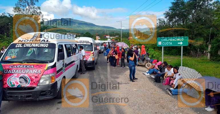 Incendian autobús de pasajeros en la ruta Chilpancingo-Chilapa