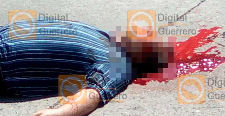 Asesinan al subdelegado de tránsito de Zihuatanejo, hallan narcomensaje
