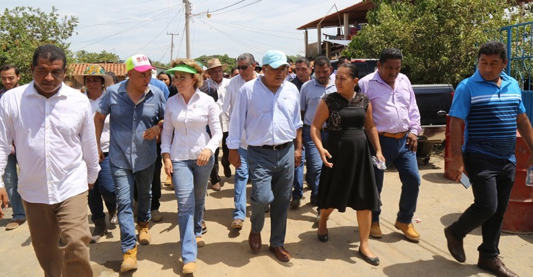 En Guerrero registran derrumbes carreteros y colapso de inmuebles